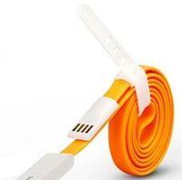 Lightning-коннектор и корпус USB-штекера кабеля выполнен из пластика